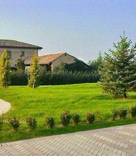 Giardinaggio e manutenzione verde a noceto e parma for Manutenzione giardini
